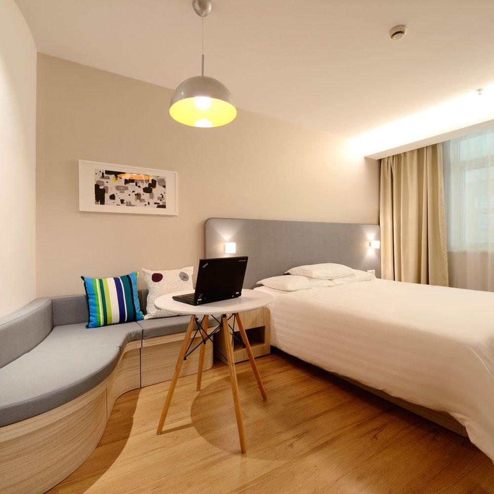 hotel-1330834_1920